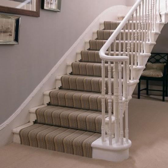 Картинки по запросу Ковры в интерьере лестница